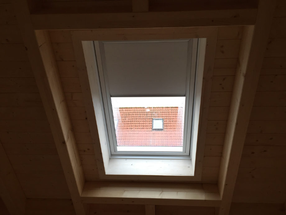 Velux_Dachfenster_Rollo